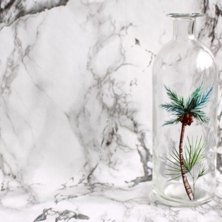 Zomerse vaas met palmboom